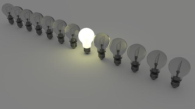 Light bulbs 1125016 640